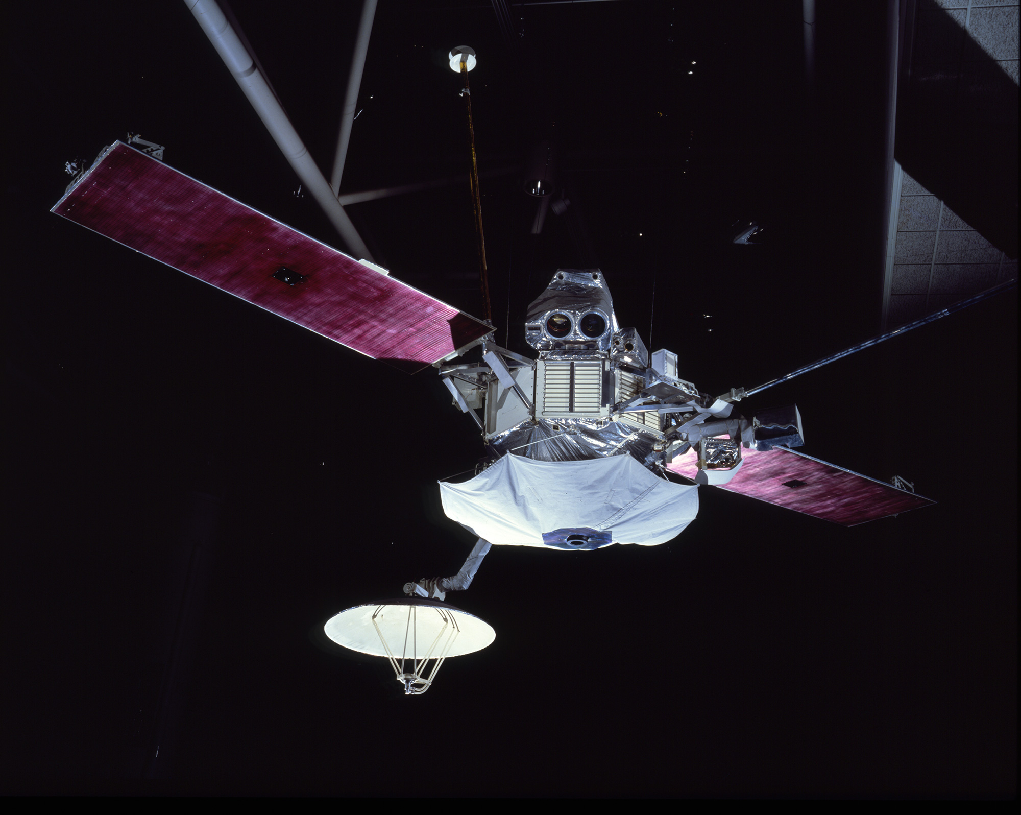mariner 10 space probe - HD2000×1596
