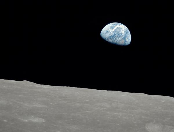 VOYAGE: Apollo 8